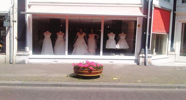 etalage Envie Couture Noordeinde te Den Haag