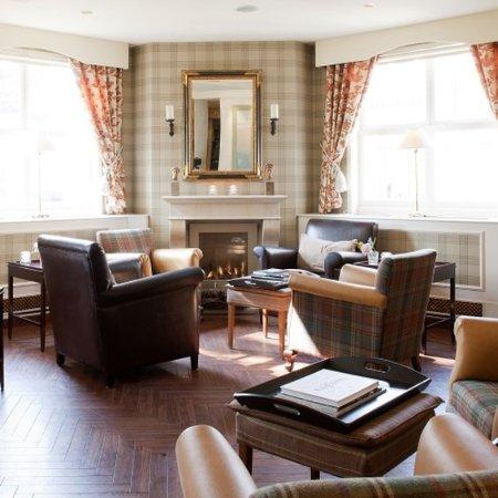 Lounge Carlton Ambassador Hotel