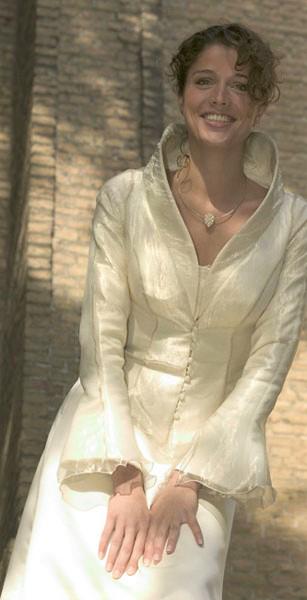 Betere Trouwjurk 50 Plus. Oudere bruid. Hertrouwen. Alternatieve bruidsmode. JO-74